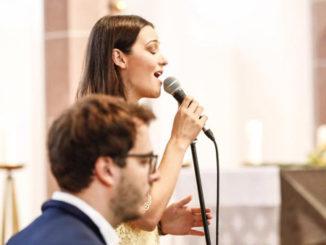Hochzeitssängerin Louisa Bücheler aus Overath